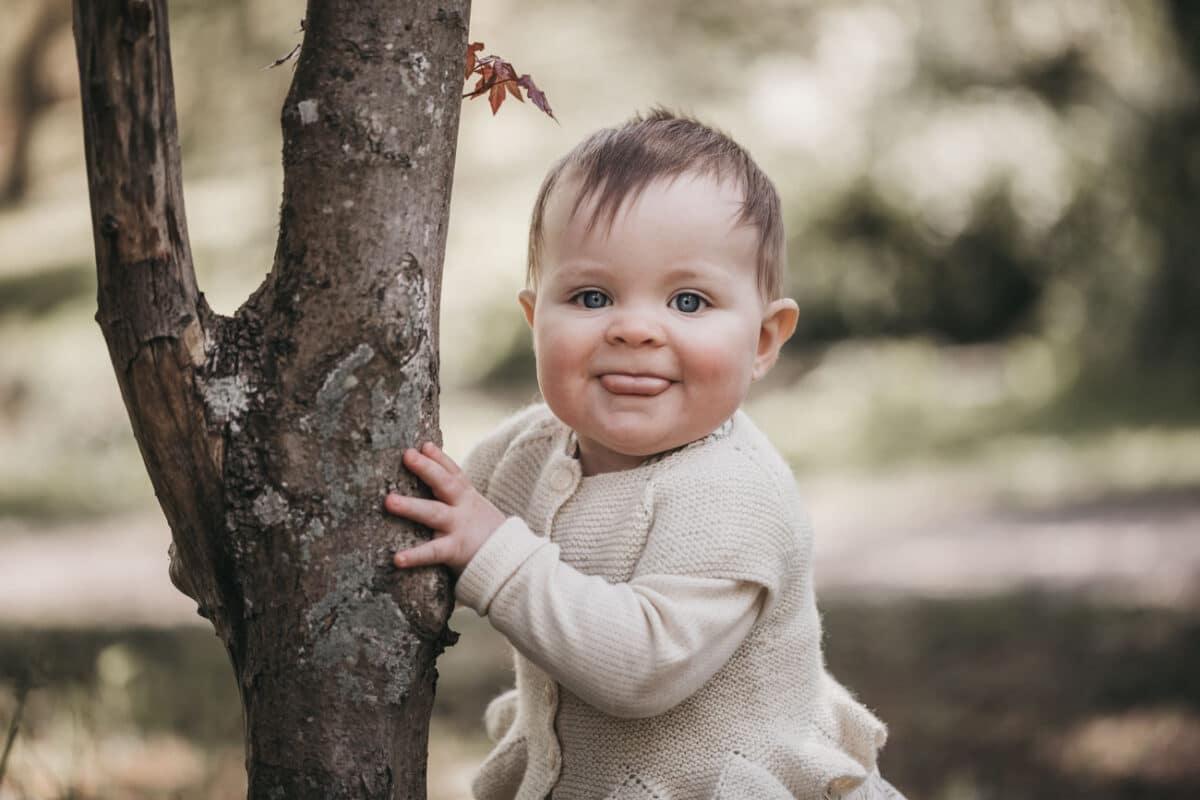 babyfotograf-aarhus-skov-lys