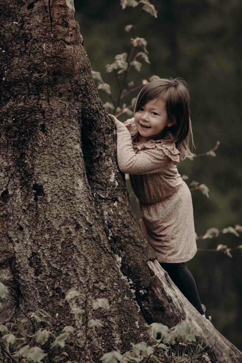 boernefoto-skov-pige-smil-gemme