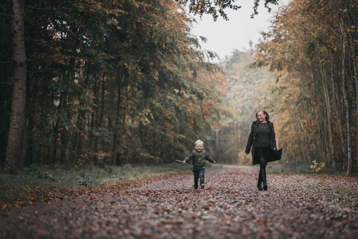 skov-familie-fotografering-boern-familie-aarhus