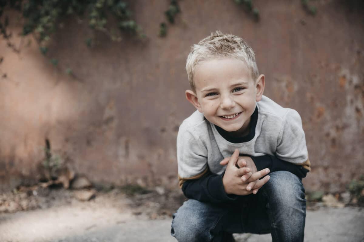 smil-dreng-rust-portræt-aarhus-fotograf